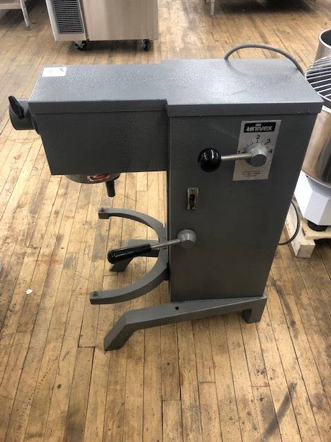 Reconditioned/Used: Univex, 20QT Mixer