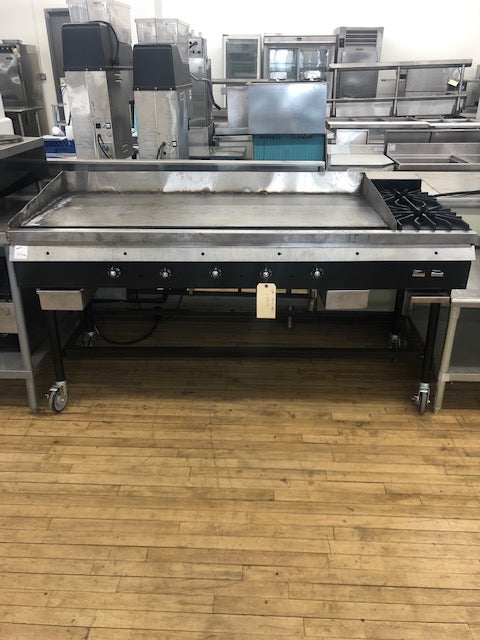 Reconditioned/Used: 5ft Gas Griddle W/ 2 Burners