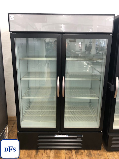 Customer Return: Beverage Air, MMR49-1-B-LED-EL, Two Door Glass Merchandiser