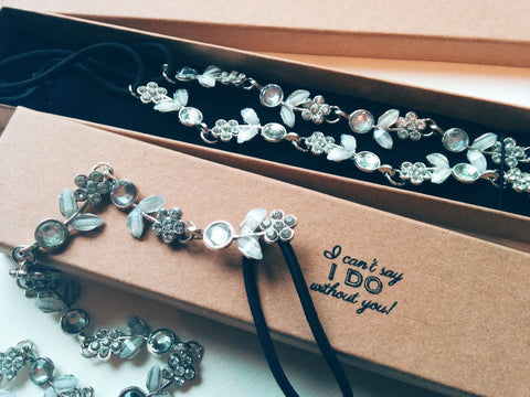 Bridesmaids gifts Set of 5 jewels hairbands silver with personalised boxes