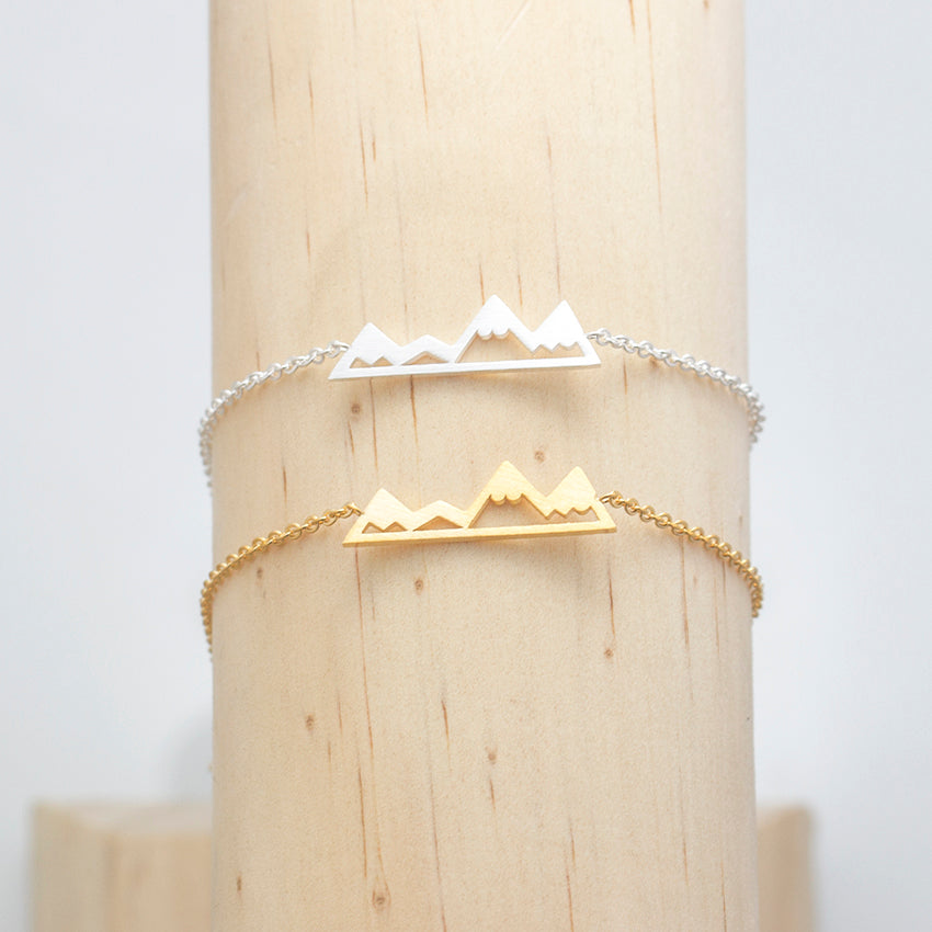 10 Bracelets for party gifts, Gold Plated, Silver Mountain Bridesmaids Gifts