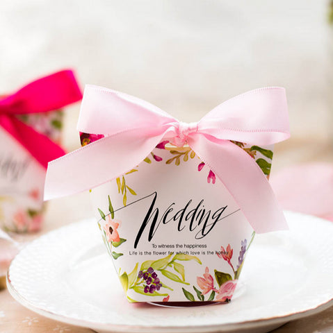 30 Pcs Floral Printed Wedding Favors Candy Boxes With Ribbons