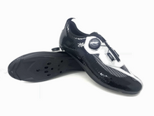 Load image into Gallery viewer, Y² BLACK!, the robust version with 1mm nylon sole featuring biomac's unique twin-cleat sole where you can mount your cleats or central or in the traditional (metatarsal) position. ATOP ratchet buckle, a low overall weight, airy PU-coated mono layer upper make this model THE option for those who want to combine all the racing features with the comfort of a strong walking sole.