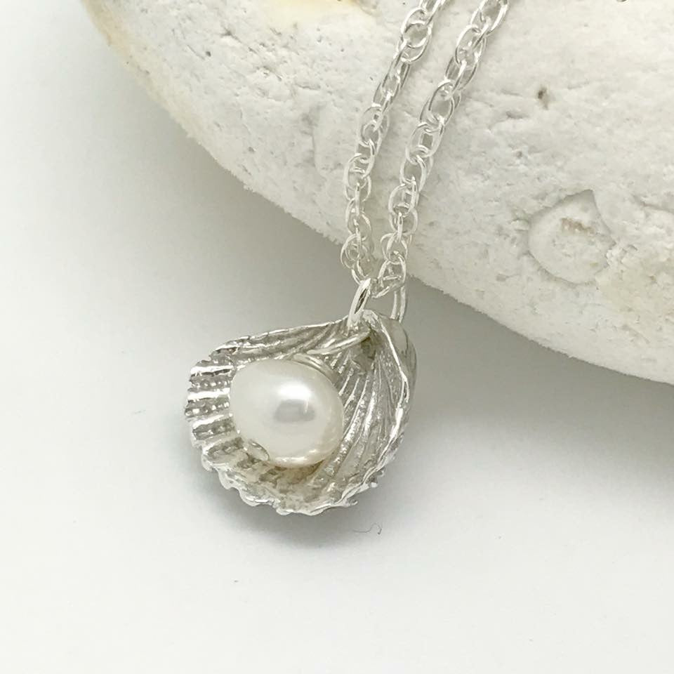 Silver shell pendent