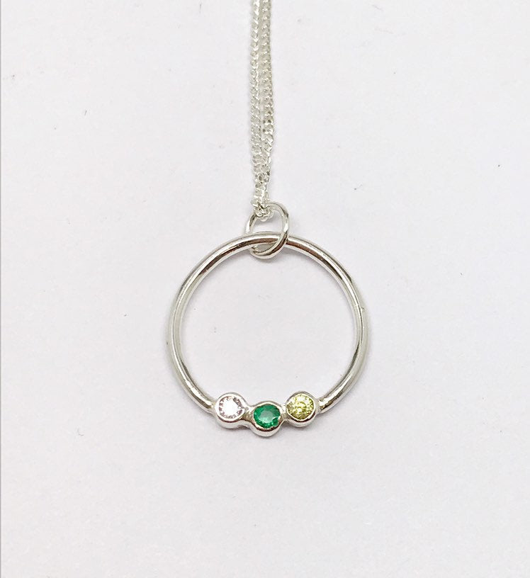 9ct Gold Circle necklace