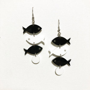 School of Fish Earrings - Black and White