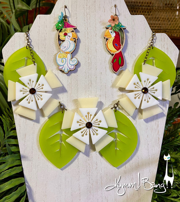 Aloha Blossom Necklace - Cream and White