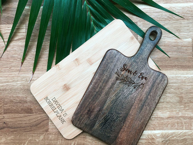 Uncover x H&M: Engrave a cutting board at the opening of the H&M Megastore in Breda