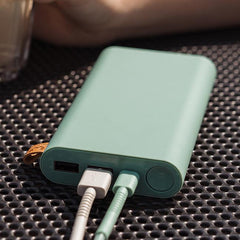 Fresh 'n Rebel powerbank misty mint