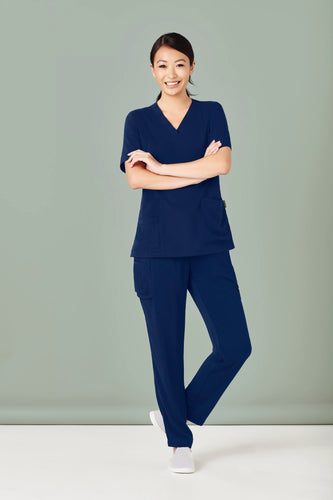 Womens Multi-Pocket Slim Leg Pant