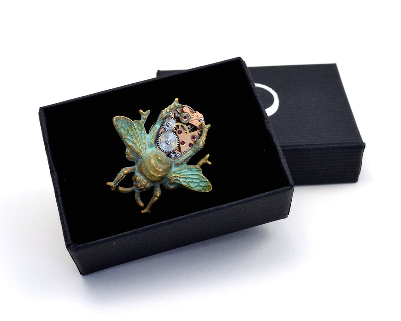 products/Gree_Clockwork_Bee_Pin.jpg