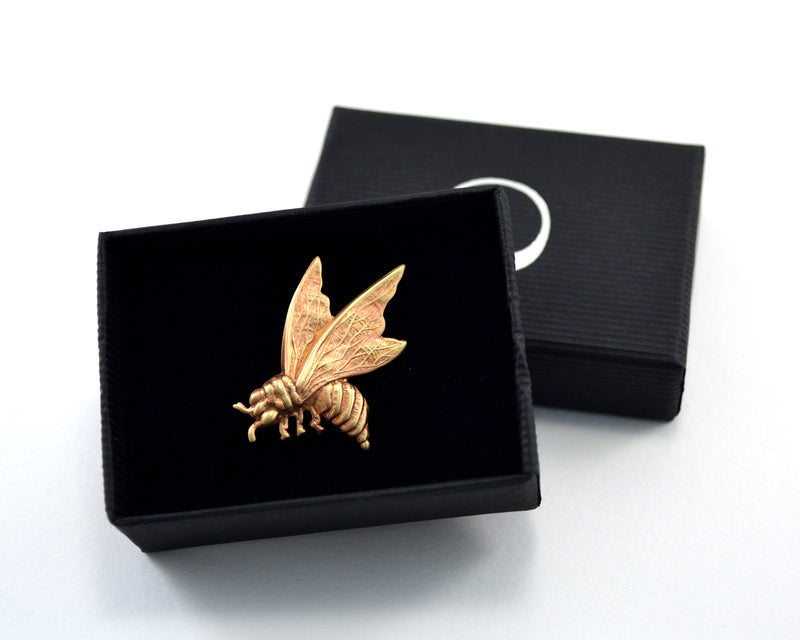 products/bee-pin-tie-tack-02.jpg