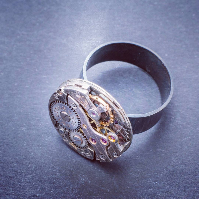 products/clockwork-ring-sterling-silver-and-steel-02.jpg