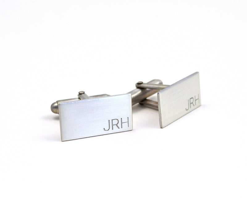 products/engraved-silver-cuff-links-minimalist-custom-initial-cuff-links-12.jpg