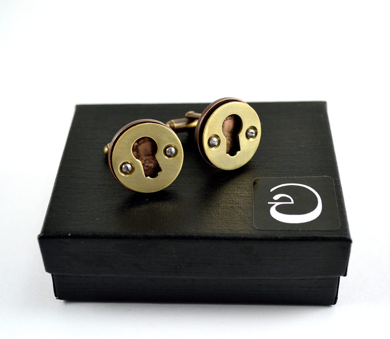 products/escutcheon-cufflinks-queen-elizabeth-ii-06.jpg