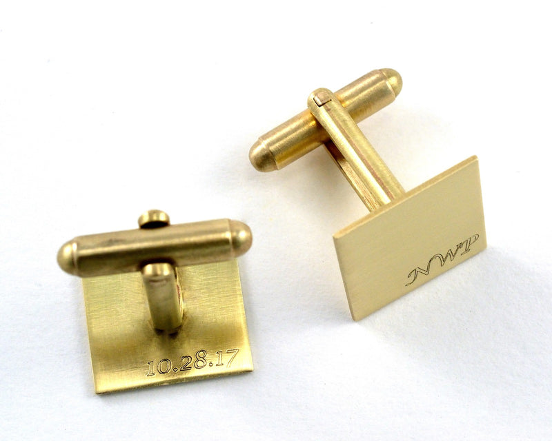 products/monogram-cuff-links-engraved-gold-02.jpg