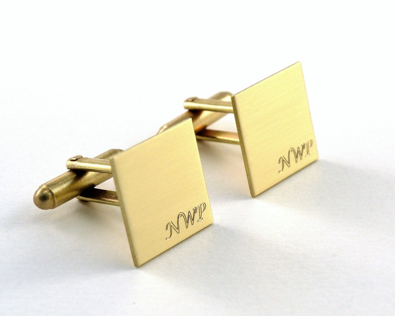 products/monogram-cuff-links-engraved-gold-04.jpg