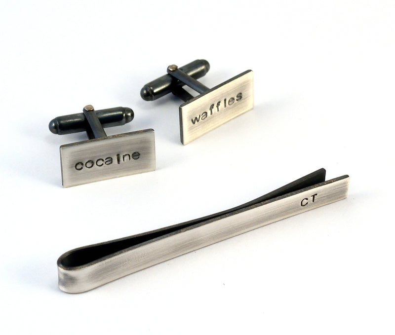 products/monogrammed-mens-gift-set-sterling-silver-cufflinks-and-tie-bar-01.jpg
