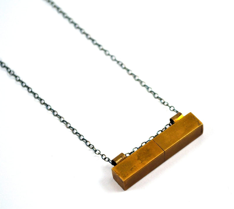 products/secret-message-locket-secret-compartment-necklace-00.jpg