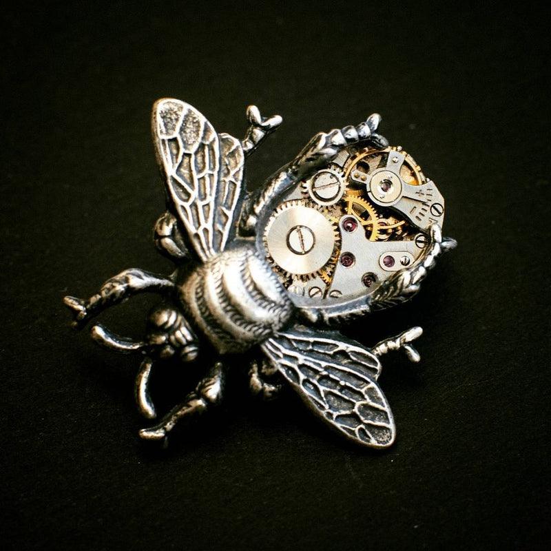 products/silver-bee-necklace-steampunk-04.jpg