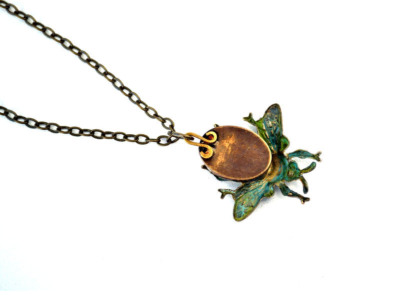 products/steampunk-bee-necklace-eric-the-half-a-bee-04.jpg