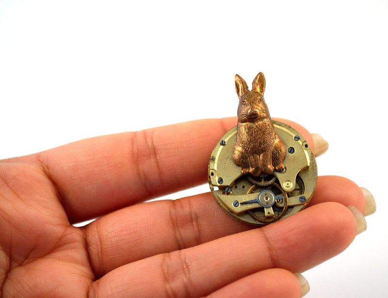 products/steampunk-rabbit-brooch-clockwork-pin-alice-in-wonderland-04.jpg