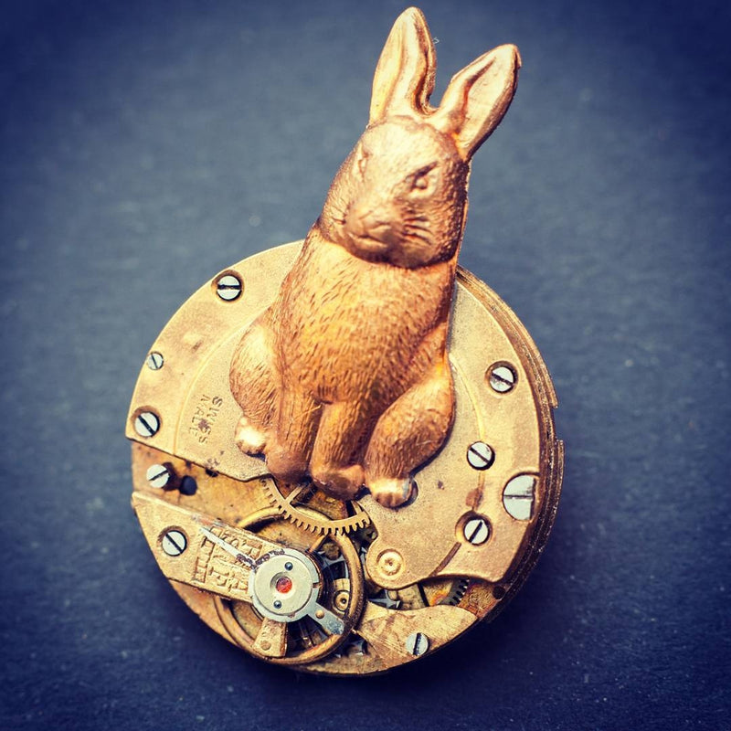 products/steampunk-rabbit-brooch-clockwork-pin-alice-in-wonderland-05.jpg