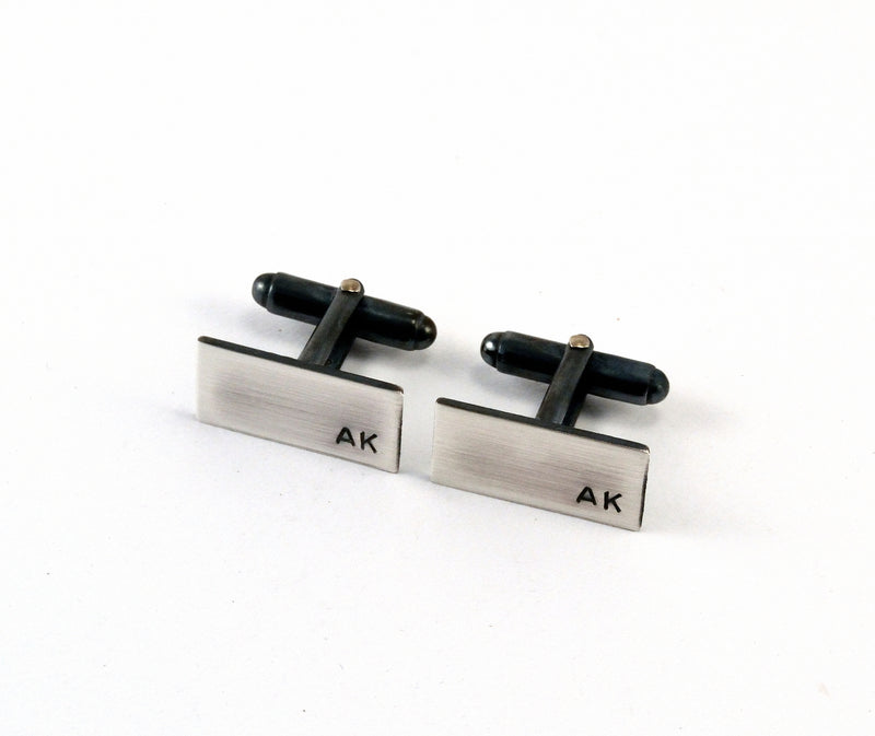 products/sterling-silver-initial-cuff-links-personalised-03.jpg