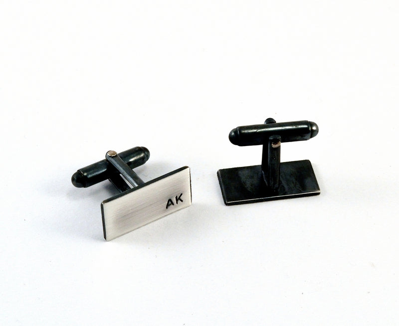 products/sterling-silver-initial-cuff-links-personalised-04.jpg