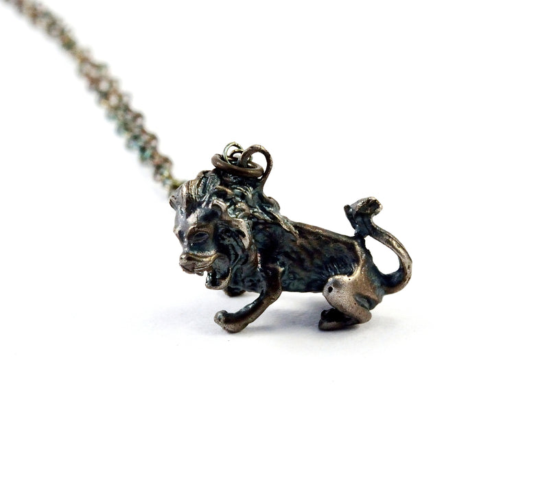 products/sterling-silver-lion-necklace-fierce-leo-pendant-00.jpg