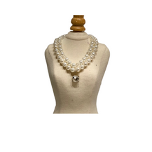 Load image into Gallery viewer, Double Strand Pearl Collar