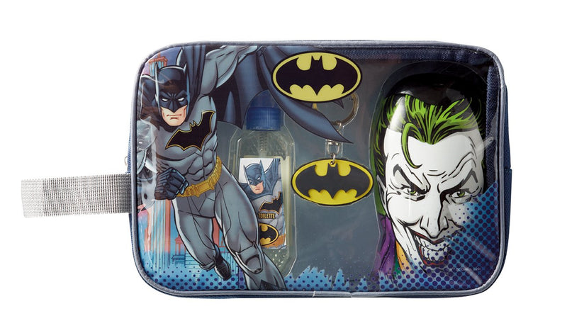 INCLUI: eau de toilette 90ml, gel de banho face 3D Joker 300ml, porta-chaves Batman