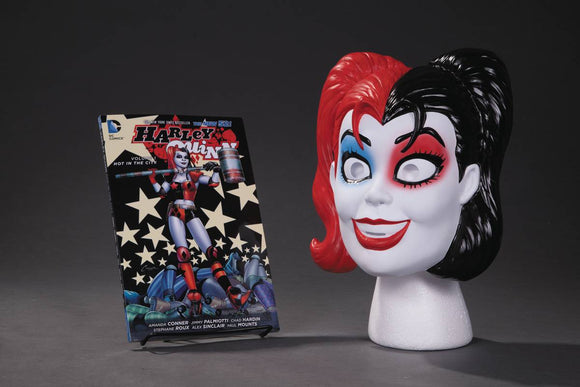 HARLEY QUINN BOOK AND MASK SET - Books
