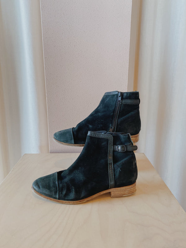 Country Road Boots - Size 37