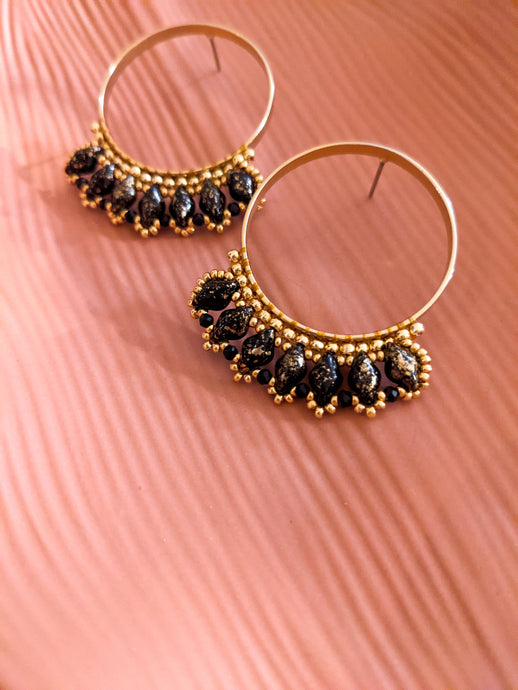 Beaded Hoop Stud - Gold Crackle