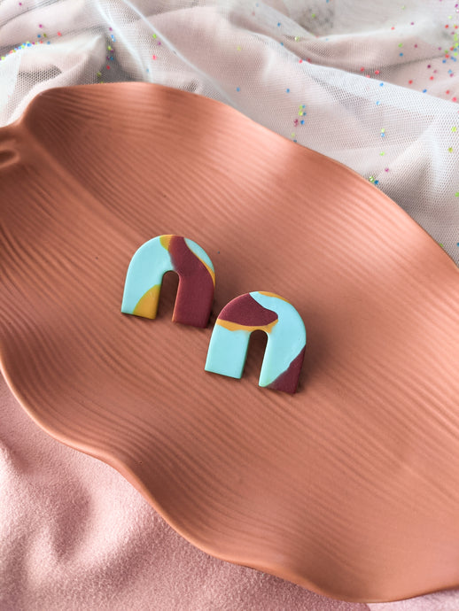 Chunky Arch Stud - Retro Marble