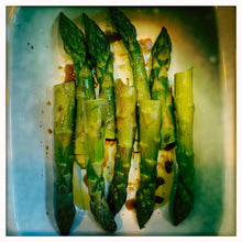 Load image into Gallery viewer, British Asparagus - new season