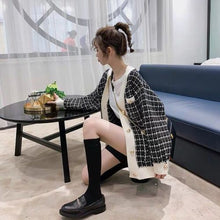 Load image into Gallery viewer, HIGH QUALITY Autumn Winter New Fashion 2020 Designer Sweater Cardigan Women V-neck Luxury Beaded Knitting Jacket Outer Clothes