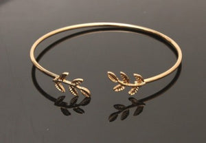 Fashion Simple Gold Silver Plated Cuff Bracelets For Women Leaves Bracelets Popular Open Bangle Bracelets T433 7g