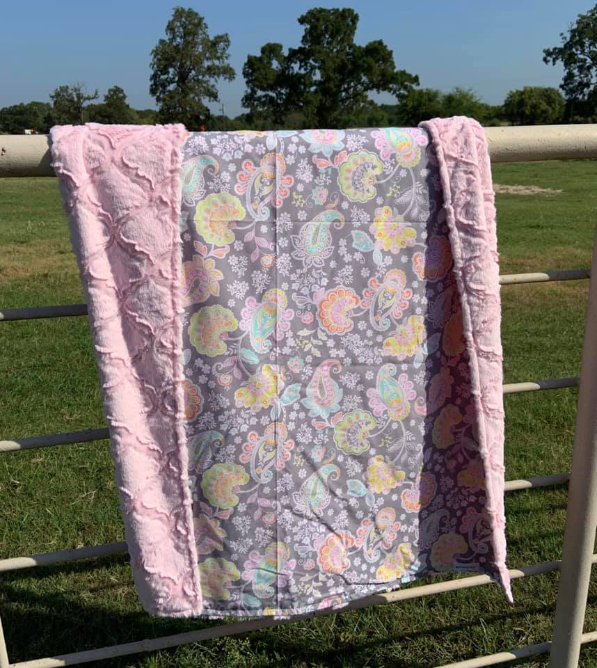 Pink Paisley Lattice Blanket