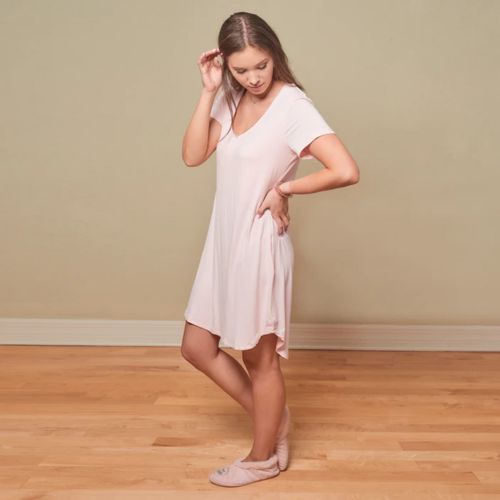 Faceplant Dreams - Claire Short Sleeve Nightgown - Pink