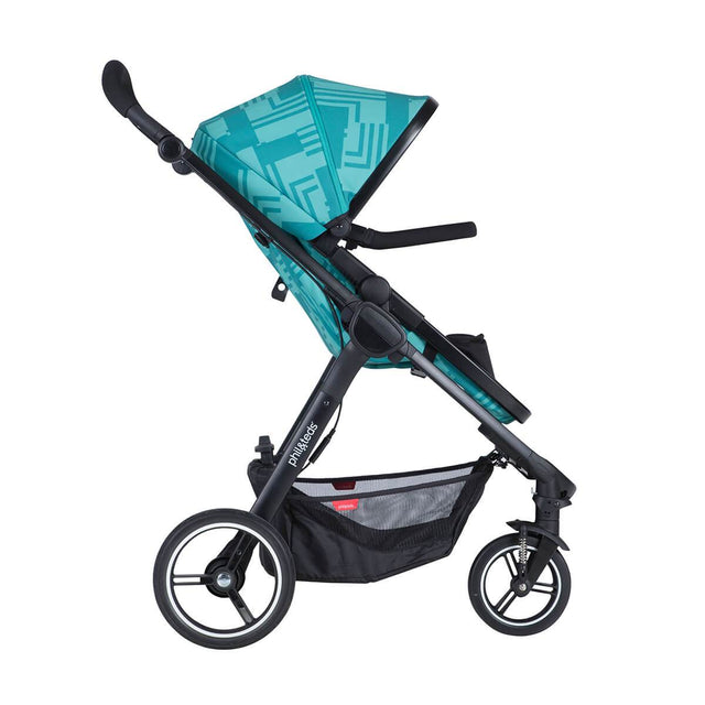 phil&teds mod stroller in capri colour with main seat in front facing side view_capri