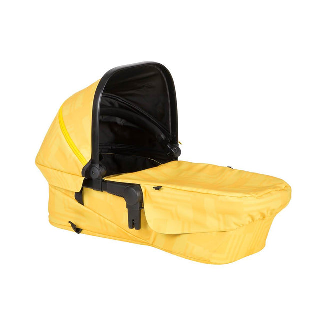 phil&teds mod carrycot in zest colour 3/4 view_zest