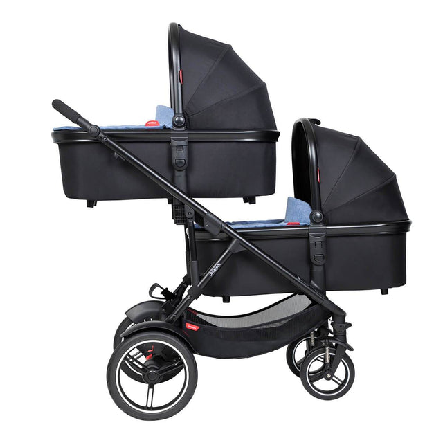 phil&teds voyager inline buggy with double snug carrycots in lie flat mode