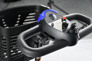 Merits Roadster 3 S731A 3-Wheel Scooter handle bar and controls
