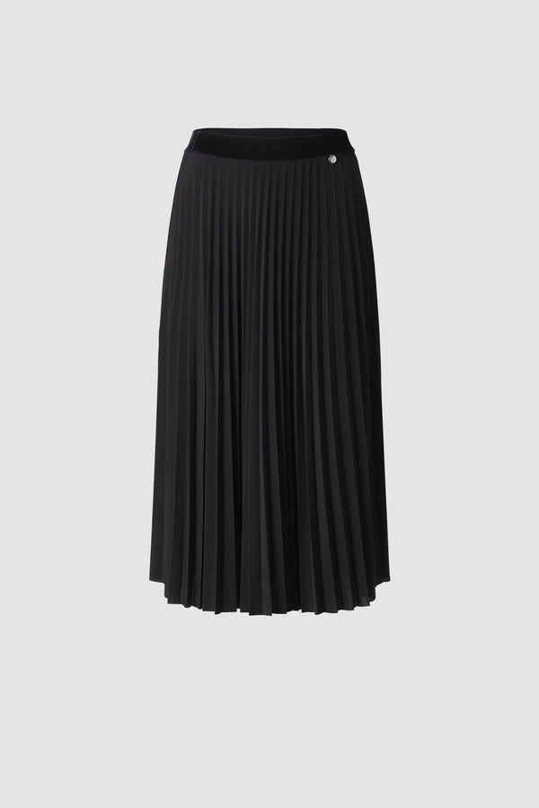 Pleated skirt with velvet waistband