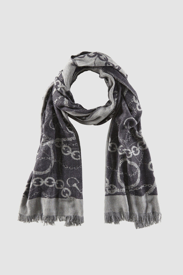 Scarf with chain motif