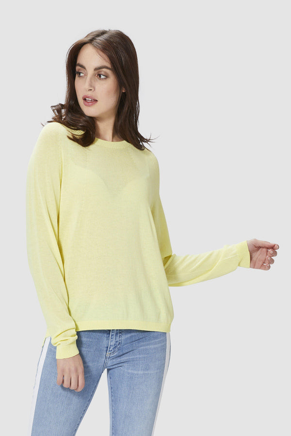 Seamless round neck jumper