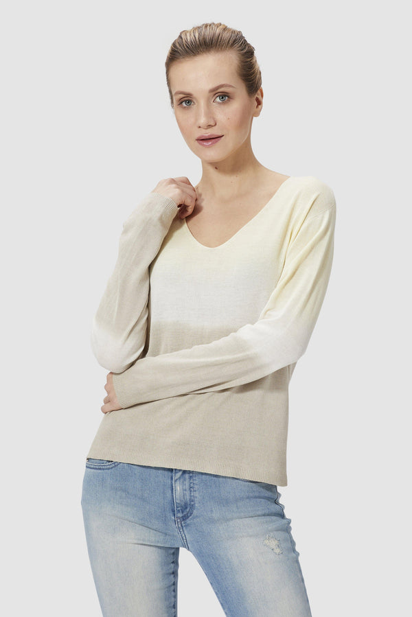 Jumper with colour gradient effect