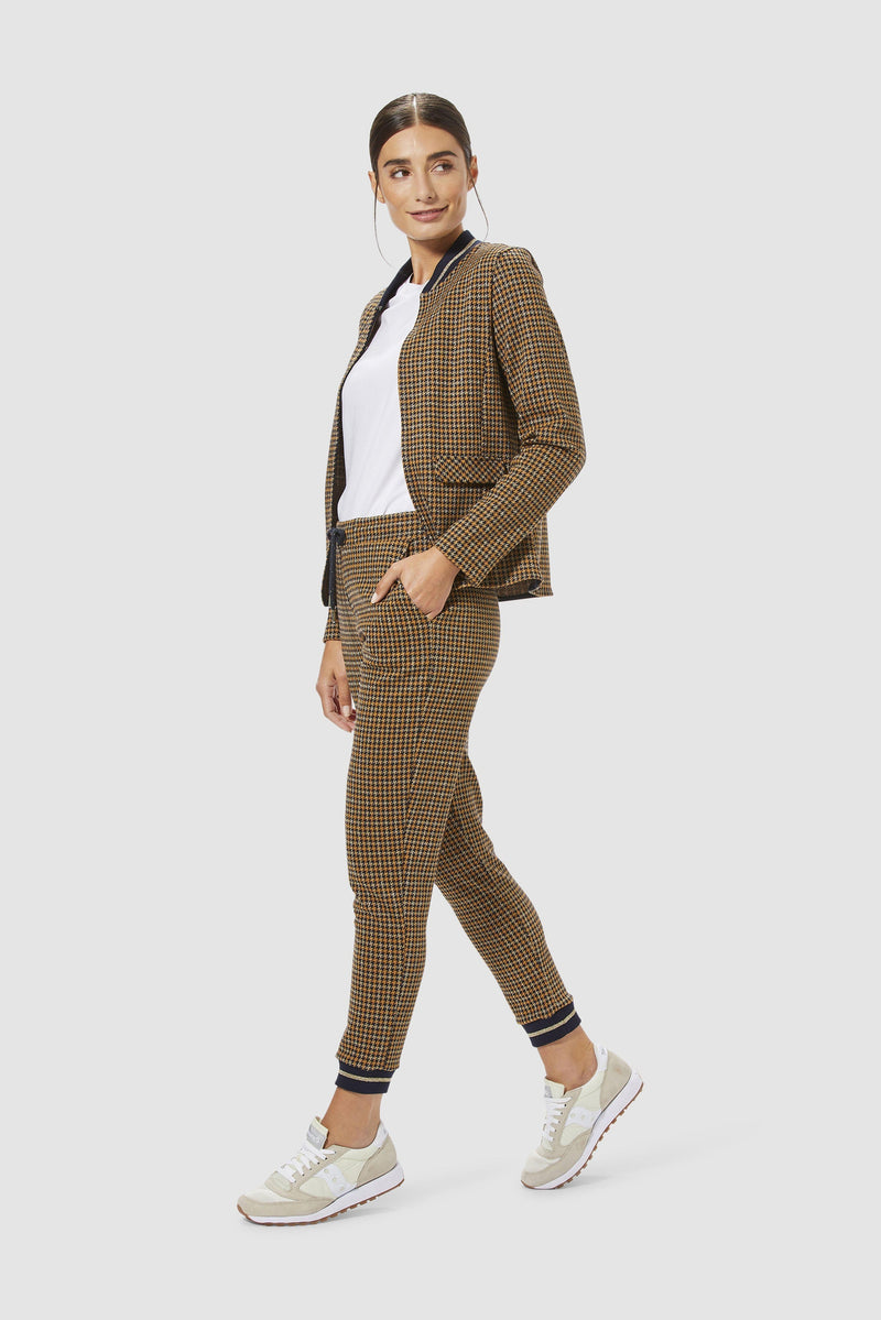 Rich & Royal - Jacquard leisure trousers - model image front